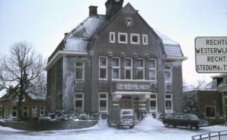 Gemeentehuis Bedum letters